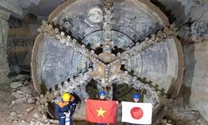[Video] Robot khổng lồ khoan hầm metro thứ hai ở Sài Gòn