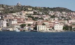 [Video] Ngôi làng ở Italy bán nhà cổ giá một euro