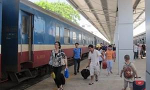 Từ 15/5, thay đổi giờ tàu Bắc – Nam, giảm 7% cho khách đi theo đoàn