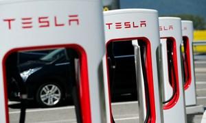[Video] Tesla tiêu 6.500 USD mỗi phút để tồn tại