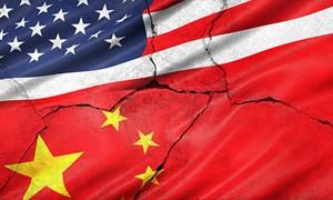 Tổng thống Trump làm căng với Trung Quốc, Dow Jones mất 300 điểm