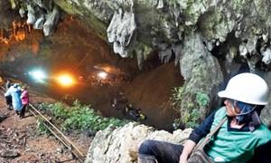[Video] Cấu trúc hang động đội bóng nhí Thái Lan mắc kẹt phức tạp như thế nào?