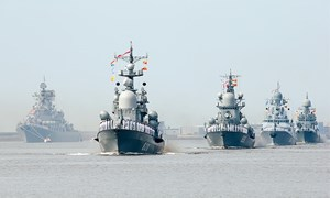 Rầm rộ diễn tập, Hạm đội Nga phô diễn sức mạnh nhân ngày Hải quân