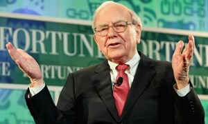 Warren Buffett tiêu khối tài sản gần 90 tỷ USD như thế nào?
