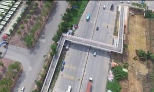 [Video] Cầu bộ hành chữ Z cho xe thô sơ và xe máy đầu tiên tại Hà Nội