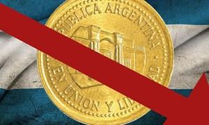 Argentina bị hạ xếp hạng tín nhiệm