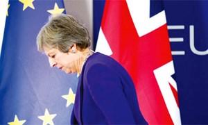 Nội các Anh khủng hoảng