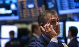 Phố Wall giảm liền 3 phiên sau nhận định từ các quan chức Fed và mối lo ngại về trần nợ