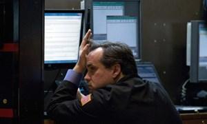 Chứng khoán Mỹ không đứng vững trước nỗi lo vỡ nợ và đóng cửa kéo dài