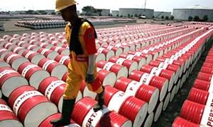 Giá dầu giảm: Kẻ khóc, người cười