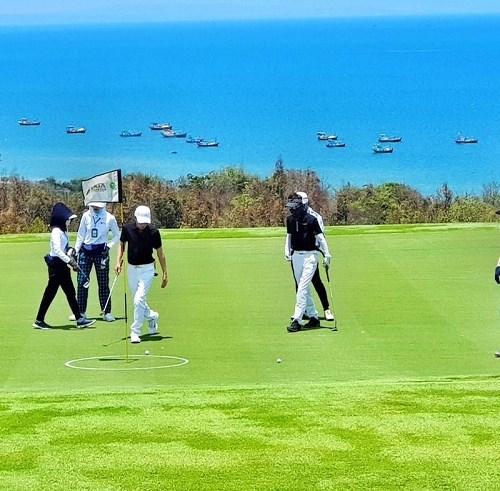 NovaWorld Phan Thiet hoàn thành sân golf PGA độc quyền 18 hố