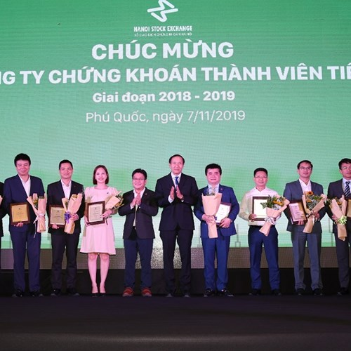 Tổ chức hội nghị thành viên năm 2019 và vinh danh 10 công ty chứng khoán  tiêu biểu 2018 - 2019