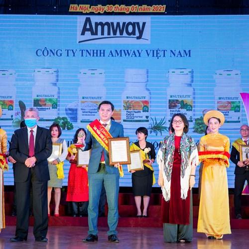 """Amway Việt Nam lần thứ 8 liên tiếp vinh dự nhận giải thưởng """"sản phẩm vàng vì sức khỏe cộng đồng"""""""