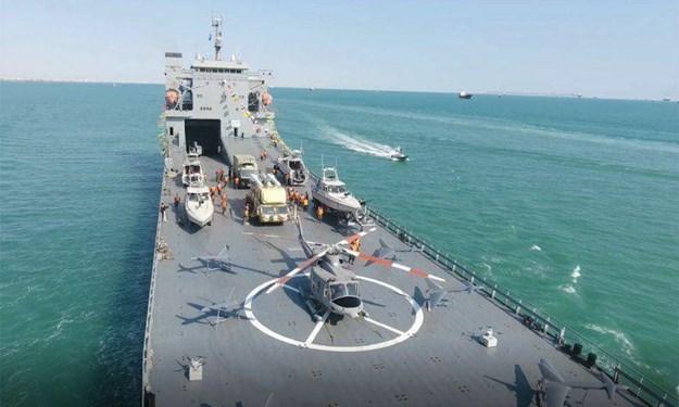 [Ảnh] Tên lửa Iran rơi cách tàu sân bay Mỹ 160km