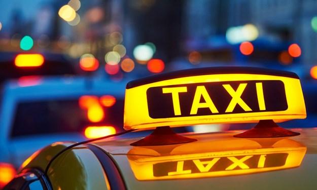 [Infographics] Xe Grab và taxi điện tử được đề xuất quản lý như thế nào?