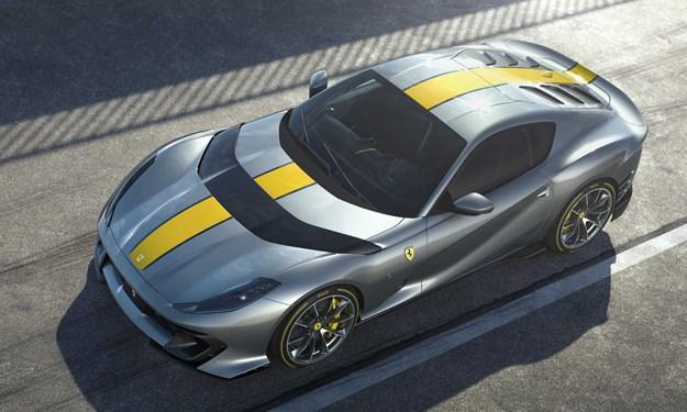 Ferrari sẽ trình làng siêu xe động cơ V12 mới trong tháng 5