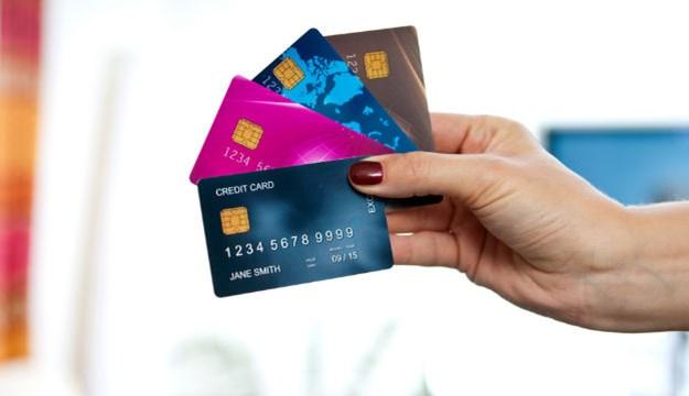 """Ví thẻ tín dụng như """"con dao hai lưỡi"""", sử dụng thế nào để hiệu quả?"""