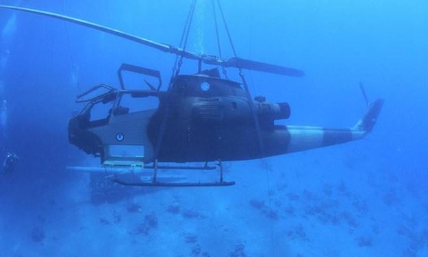 [Infographics] Jordan nhấn chìm trực thăng tấn công xuống biển để làm gì?