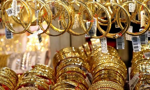 Vàng trụ ở mức cao do các nước vẫn tăng cường mua vào