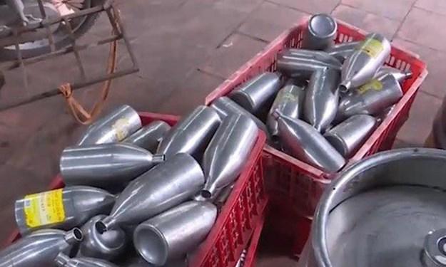 [Video] Phát hiện xưởng sản xuất bia có dấu hiệu nhập nhèm nhãn mác
