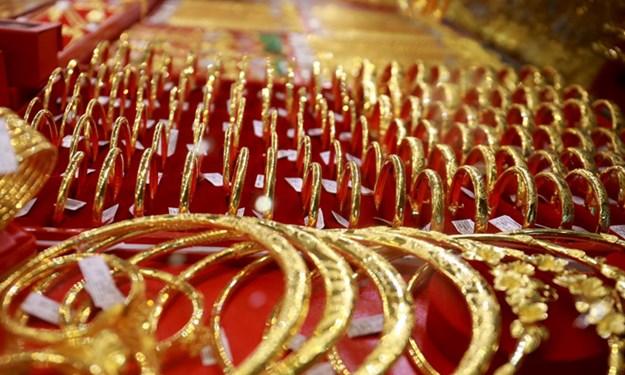 Đồng USD bất ngờ giảm giá khiến vàng quay đầu tăng mạnh