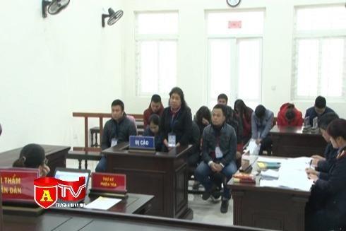 [Video] Hà Nội: Xét xử 18 bị cáo mua bán trái phép hóa đơn