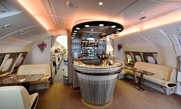 [Video] Cách kiếm tiền nhờ khoang hạng nhất của các hãng bay