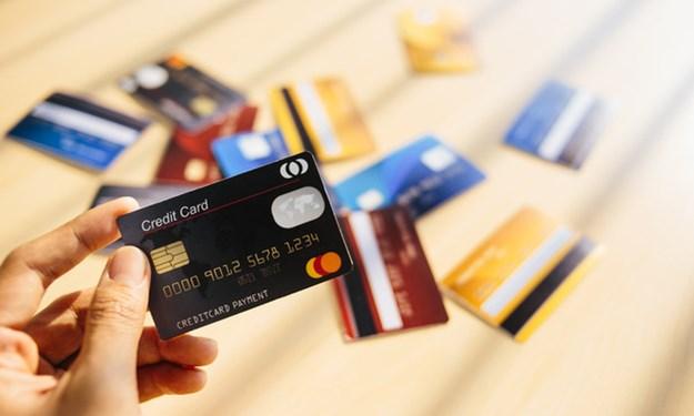 Sử dụng thẻ tín dụng - Những ưu nhược điểm cần nắm rõ