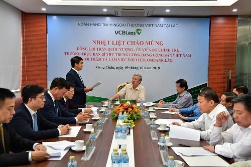 Vietcombank Lào vinh dự đón Thường trực Ban Bí thư Trần Quốc Vượng tới thăm và làm việc