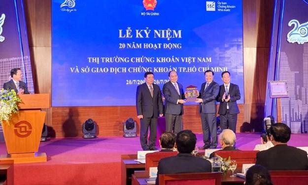 Chùm ảnh Thủ tướng Chính phủ Nguyễn Xuân Phúc tại Lễ kỷ niệm 20 năm hoạt động thị trường chứng khoán