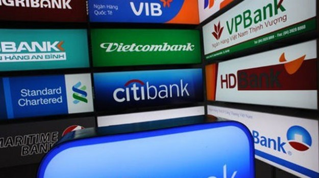 Ứng dụng công nghệ thông tin trong phát triển sản phẩm dịch vụ ngân hàng ở Việt Nam