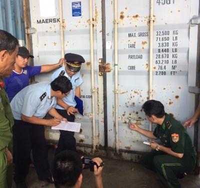 Bắt giữ 6 tấn vảy tê tê và 2 tấn ngà voi nhập lậu tại Cảng Đà Nẵng