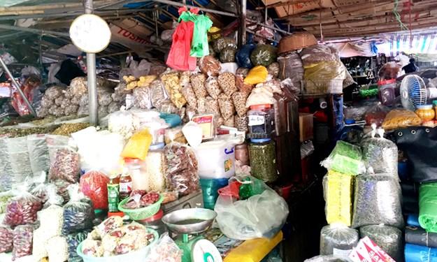 Thực phẩm không tên vẫn đầy chợ