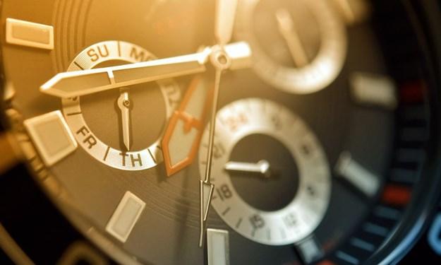 Mách bạn cách nhận biết đồng hồ đeo tay chính hãng