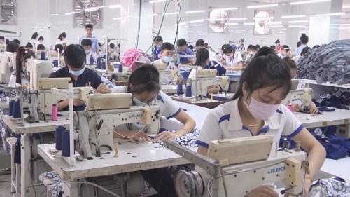 """Siết chặt doanh nghiệp nước ngoài sử dụng lao động """"chui"""""""