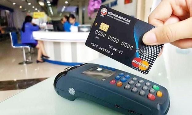 Vì sao nhiều người e ngại dùng thẻ tín dụng?