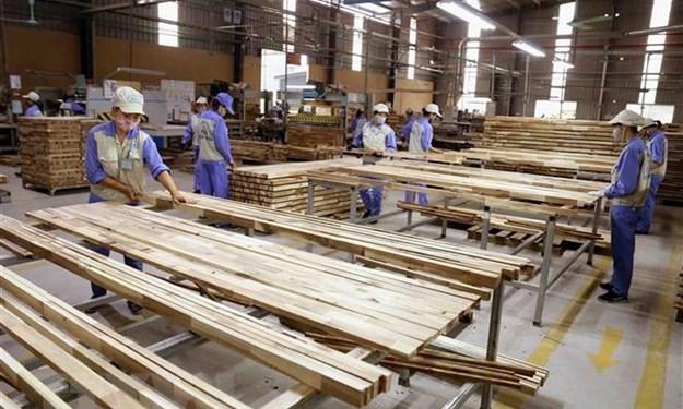 Kiểm tra việc áp dụng mã HS đối với nhóm các mặt hàng gỗ cao su xuất khẩu dạng tấm
