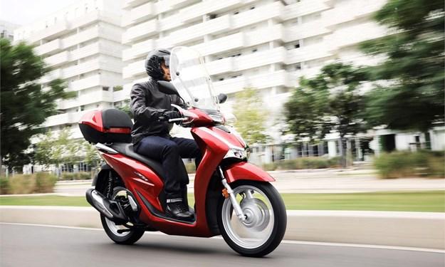 Honda SH 2020 hạ giá kỷ lục, xe đời cũ vẫn chênh mức