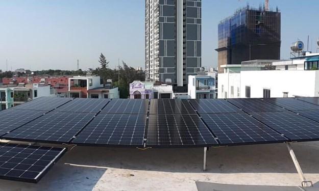 [Video] Mô hình tòa nhà công sở sử dụng năng lượng tiết kiệm điện tại Vĩnh Long