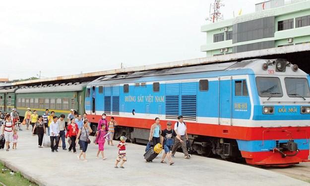 Bộ Tài chính đề xuất mức phí sử dụng kết cấu hạ tầng đường sắt giảm xuống còn 4%