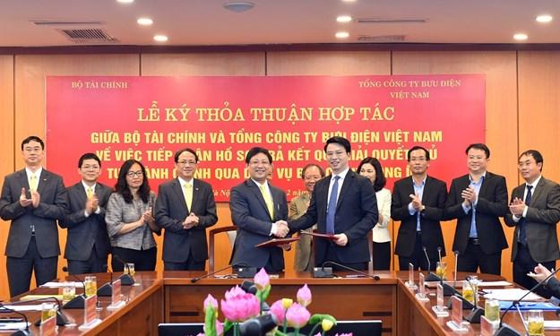 Bộ Tài chính và Bưu điện Việt Nam hợp tác giải quyết thủ tục hành chính qua bưu chính công ích