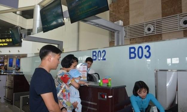 Vietnam Airlines mở quầy làm thủ tục cho người cao tuổi, trẻ nhỏ