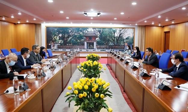 Thứ trưởng Bộ Tài chính Trần Xuân Hà làm việc với Giám đốc quốc gia IFAD tại Việt Nam