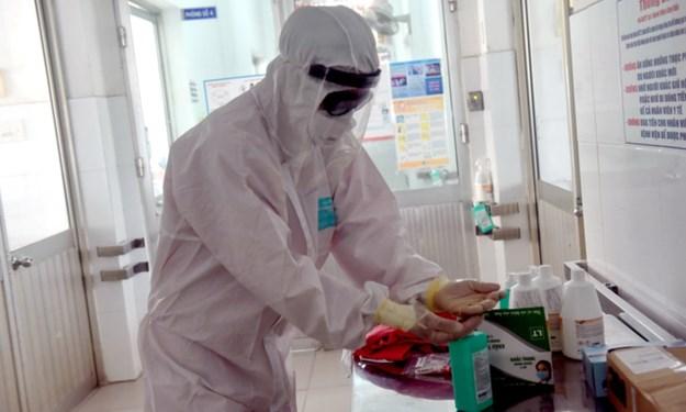 Sử dụng kinh phí chăm sóc sức khỏe ban đầu để mua thuốc sát trùng và xà phòng chống dịch Covid-19
