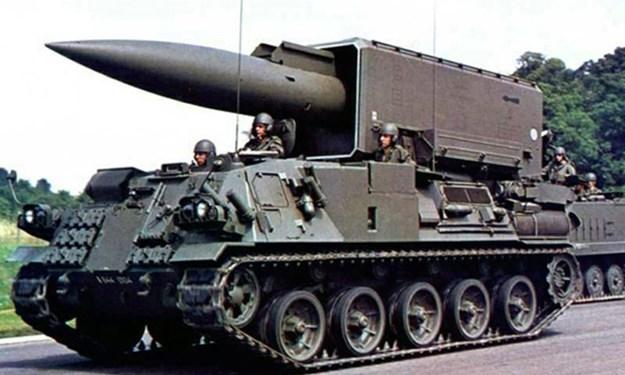 """""""Kẻ hủy diệt"""" Pluton - Tên lửa đạn đạo chiến thuật tầm ngắn của Pháp"""