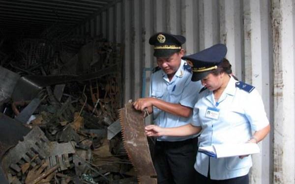 Phế liệu nhập khẩu bắt buộc phải lấy mẫu kiểm định trước khi thông quan