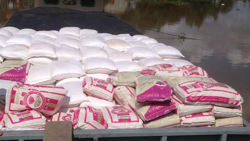 Tịch thu hơn 100 tấn đường cát và gạo nhập lậu