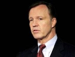 Cựu Chủ tịch Ủy ban Chứng khoán Hoa Kỳ: Nước Mỹ nợ tới hơn 100 nghìn tỷ USD?!