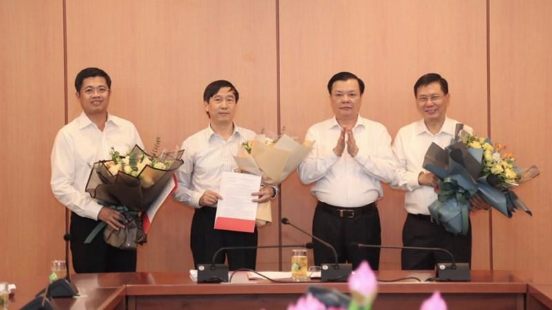 Bộ trưởng Bộ Tài chính trao quyết định bổ nhiệm nhân sự mới