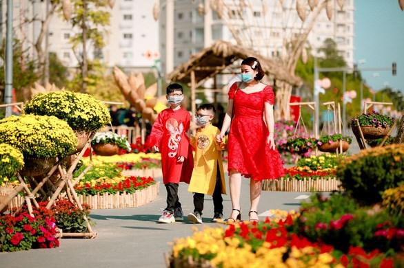 Du xuân an toàn tại Đường hoa Home Hanoi Xuân